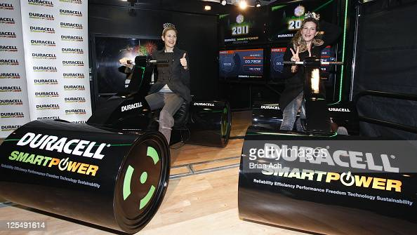 Actresses Kelly Rutherford and Ana Gasteyer attend the launch of Duracell Mobile Smart Power Lab at 46th and 8th Avenue on November 30 2010 in New...