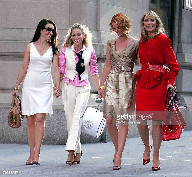 Actresses Kristin Davis Sarah Jessica Parker Cynthia Nixon and Kim Cattrall on the set of 'Sex In The City The Movie' in New York City on September...