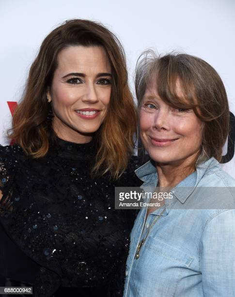 Actresses Linda Cardellini and Sissy Spacek arrive at the premiere of Netflix's 'Bloodline' Season 3 at the Arclight Cinemas Culver City on May 24...