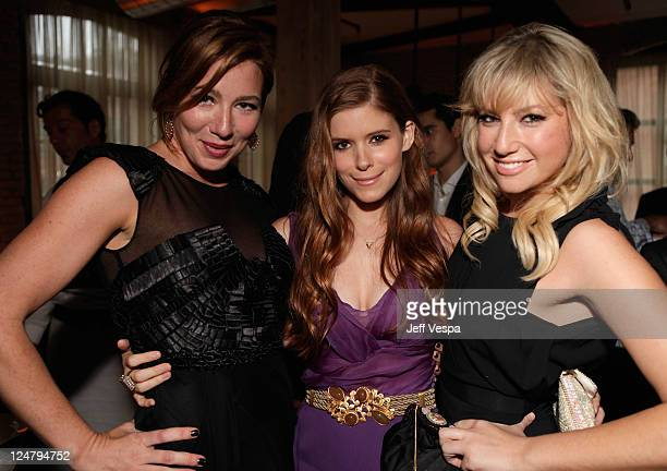Actresses Lynn Collins Kate Mara and Ari Gaynor attend the 'Ten Year' dinner hosted by GREY GOOSE Vodka at Soho House Pop Up Club during the 2011...