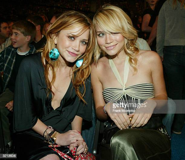 Actresses MaryKate and Ashley Olsen pose at Nickelodeon's 17th Annual Kids' Choice Awards at Pauley Pavilion on the campus of UCLA April 3 2004 in...