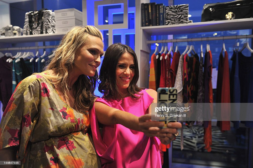 Actresses <a gi-track='captionPersonalityLinkClicked' href=/galleries/search?phrase=Molly+Sims&family=editorial&specificpeople=202547 ng-click='$event.stopPropagation()'>Molly Sims</a> and <a gi-track='captionPersonalityLinkClicked' href=/galleries/search?phrase=Soleil+Moon+Frye&family=editorial&specificpeople=228286 ng-click='$event.stopPropagation()'>Soleil Moon Frye</a> attend Liz Lange for Target 10th Anniversary Party at The Glasshouses on May 16, 2012 in New York City.