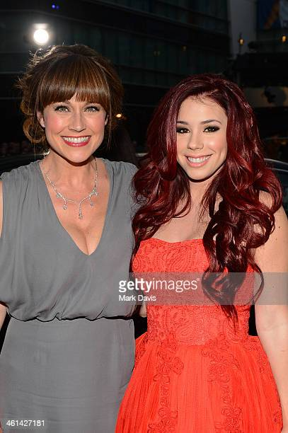 Actresses Nikki DeLoach and Jillian Rose Reed attends The 40th Annual People's Choice Awards at Nokia Theatre LA Live on January 8 2014 in Los...