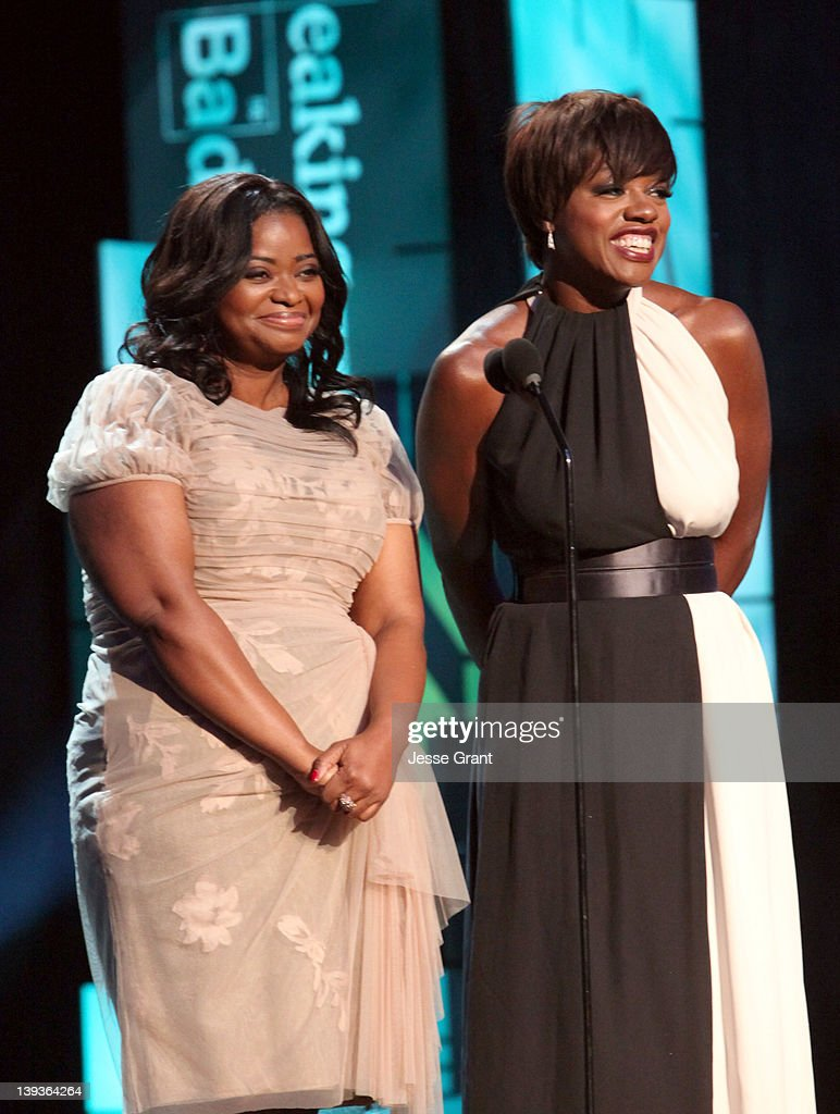 Actresses Octavia Spencer (L) and Viola Davis attend the 2012 Writers Guild Awards at the Hollywood Palladium on February 19, 2012 in Los Angeles, California.