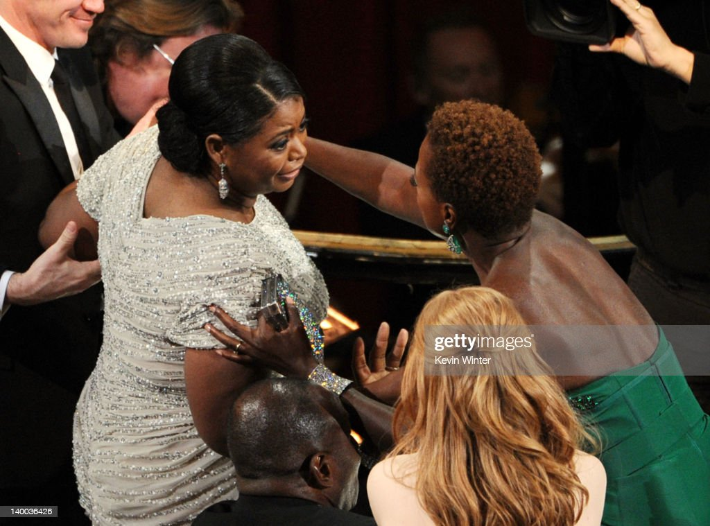 Actresses Octavia Spencer (L) and Viola Davis attend the 84th Annual Academy Awards held at the Hollywood & Highland Center on February 26, 2012 in Hollywood, California.