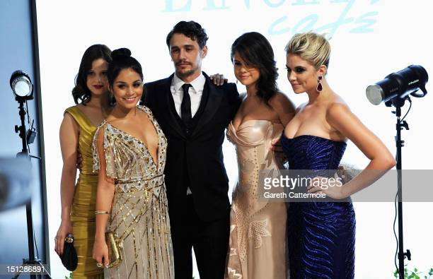 Actresses Rachel KorineVanessa Hudgensactor James Franco with actresses Selena Gomez and Amber Benson during a prepremier portrait session before the...
