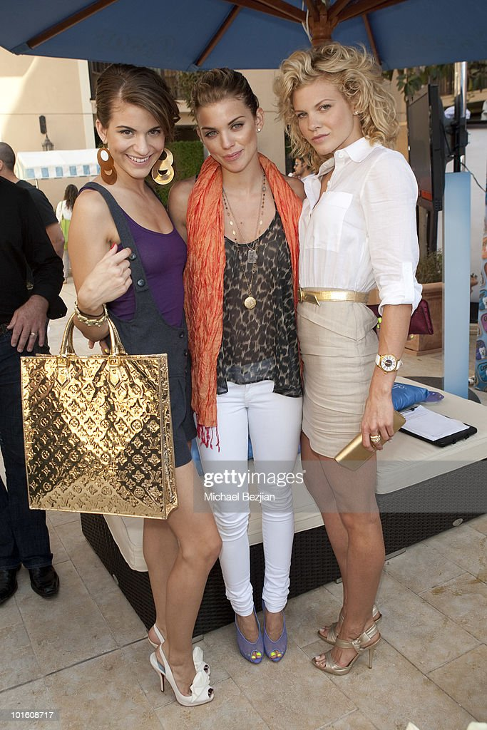 Actresses Rachel McCord, AnnaLynne McCord and Angel McCord attend Cesar Canine Cuisine at Kari Feinstein MTV Movie Awards Style Lounge-Day 1 at Montage Beverly Hills on June 3, 2010 in Beverly Hills, California.