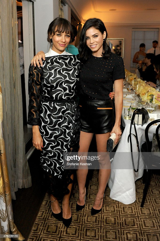 Actresses Rashida Jones (L) and Jenna Dewan Tatum attend a dinner to celebrate Glamour's June Success Issue, hosted by Glamour Editor-in-Chief Cindi Leive & Maiyet Co-Founder Kristy Caylor at Chateau Marmont on May 29, 2015 in Los Angeles, California.