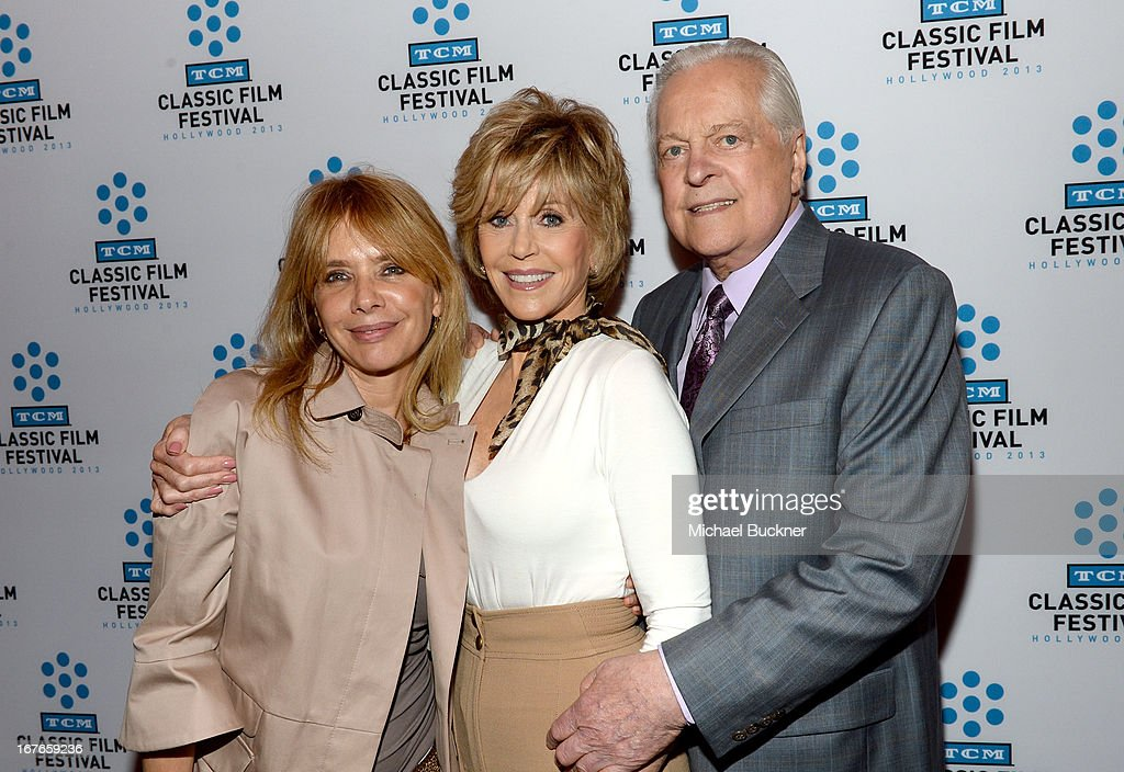 Actresses <a gi-track='captionPersonalityLinkClicked' href=/galleries/search?phrase=Rosanna+Arquette&family=editorial&specificpeople=206134 ng-click='$event.stopPropagation()'>Rosanna Arquette</a>, <a gi-track='captionPersonalityLinkClicked' href=/galleries/search?phrase=Jane+Fonda&family=editorial&specificpeople=202174 ng-click='$event.stopPropagation()'>Jane Fonda</a> and TCM host Robert Osborne attend actress <a gi-track='captionPersonalityLinkClicked' href=/galleries/search?phrase=Jane+Fonda&family=editorial&specificpeople=202174 ng-click='$event.stopPropagation()'>Jane Fonda</a>'s Handprint/Footprint Ceremony during the 2013 TCM Classic Film Festival at TCL Chinese Theatre on April 27, 2013 in Los Angeles, California. 23632_009_MB_0499.JPG
