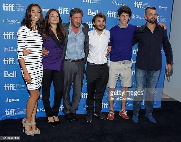 Actresses Saadet Aksoy Penélope Cruz director Sergio Castellitto actors Emile Hirsch Pietro Castellitto and Adnan Haskovi attend the 'Twice Born'...