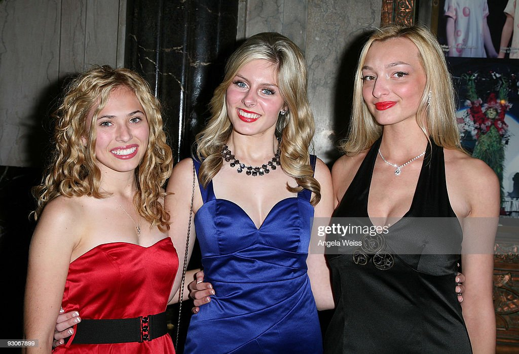 Actresses Sam Lonigro, Renna Nightingale and Joell Posey attend the Los Angeles premiere of Dr. Seuss' 'How The Grinch Stole Christmas' at the Pantages Theatre on November 14, 2009 in Los Angeles, California.