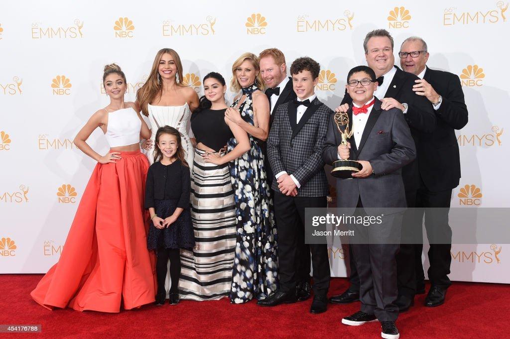 Actresses Sarah Hyland Sofía Vergara Aubrey AndersonEmmons Julie Bowen and Ariel Winter Jesse Tyler Ferguson Nolan Gould Rico Rodriguez Eric...