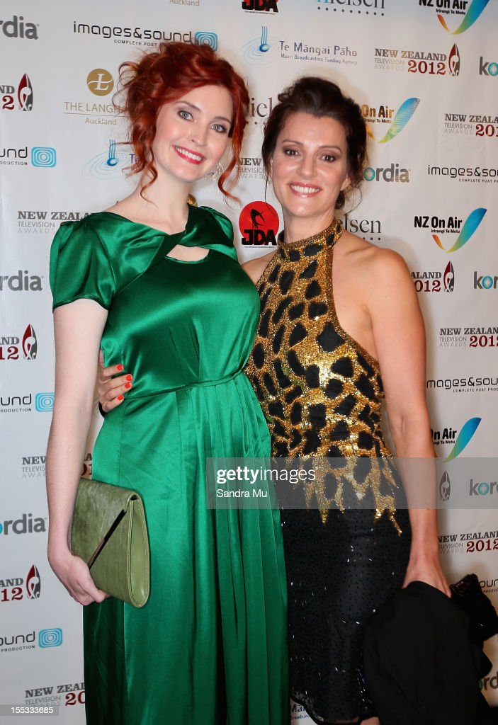 Actresses Siobhan Marshall (L) and Sara Wiseman pose as they arrive for the New Zealand Television Awards at the Langham Hotel on November 3, 2012 in Auckland, New Zealand.