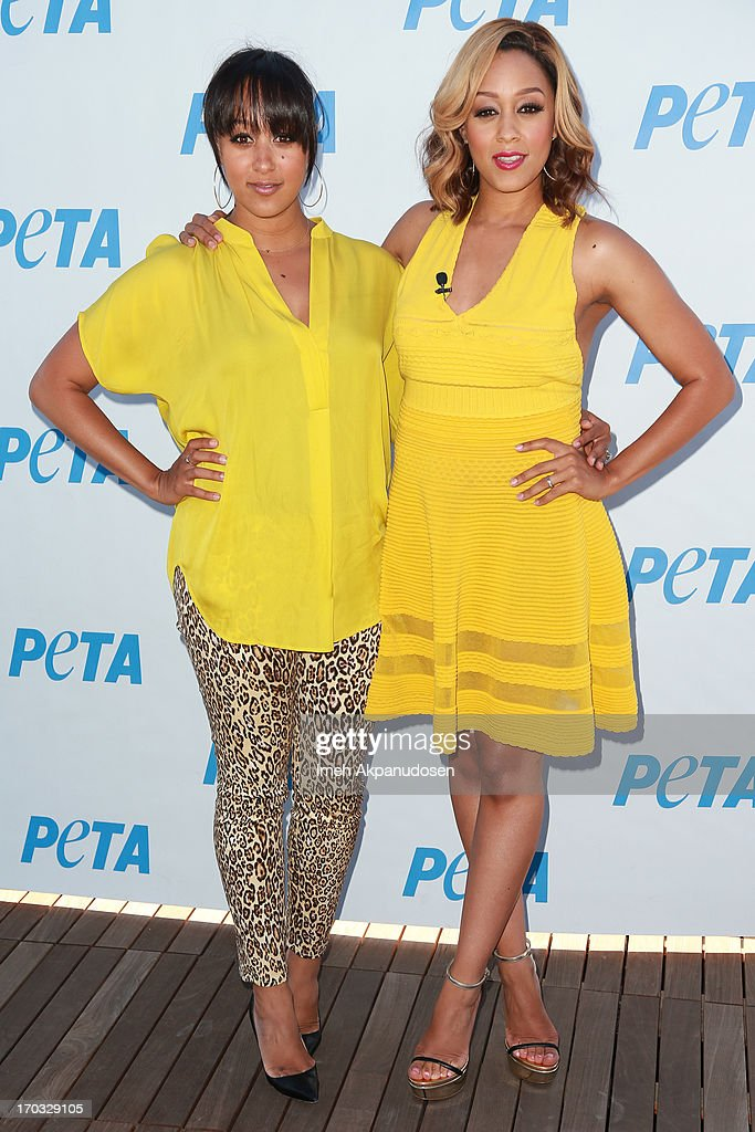 Actresses <a gi-track='captionPersonalityLinkClicked' href=/galleries/search?phrase=Tamera+Mowry&family=editorial&specificpeople=798679 ng-click='$event.stopPropagation()'>Tamera Mowry</a>-Housley (L) and <a gi-track='captionPersonalityLinkClicked' href=/galleries/search?phrase=Tia+Mowry&family=editorial&specificpeople=631098 ng-click='$event.stopPropagation()'>Tia Mowry</a> attend the unveiling of <a gi-track='captionPersonalityLinkClicked' href=/galleries/search?phrase=Tia+Mowry&family=editorial&specificpeople=631098 ng-click='$event.stopPropagation()'>Tia Mowry</a>'s sexy new PETA campaign at The Bob Barker Building on June 10, 2013 in Los Angeles, California.