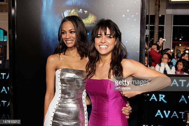 Actresses Zoe Saldana and Michelle Rodriguez attend the 'Avatar' Los Angeles premiere at Grauman's Chinese Theatre on December 16 2009 in Hollywood...