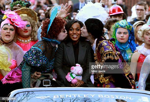 Actress/honoree Kerry Washington attends the Hasty Pudding Theatricals 2016 Woman of the Year Award parade on the streets of Cambridge on January 28...