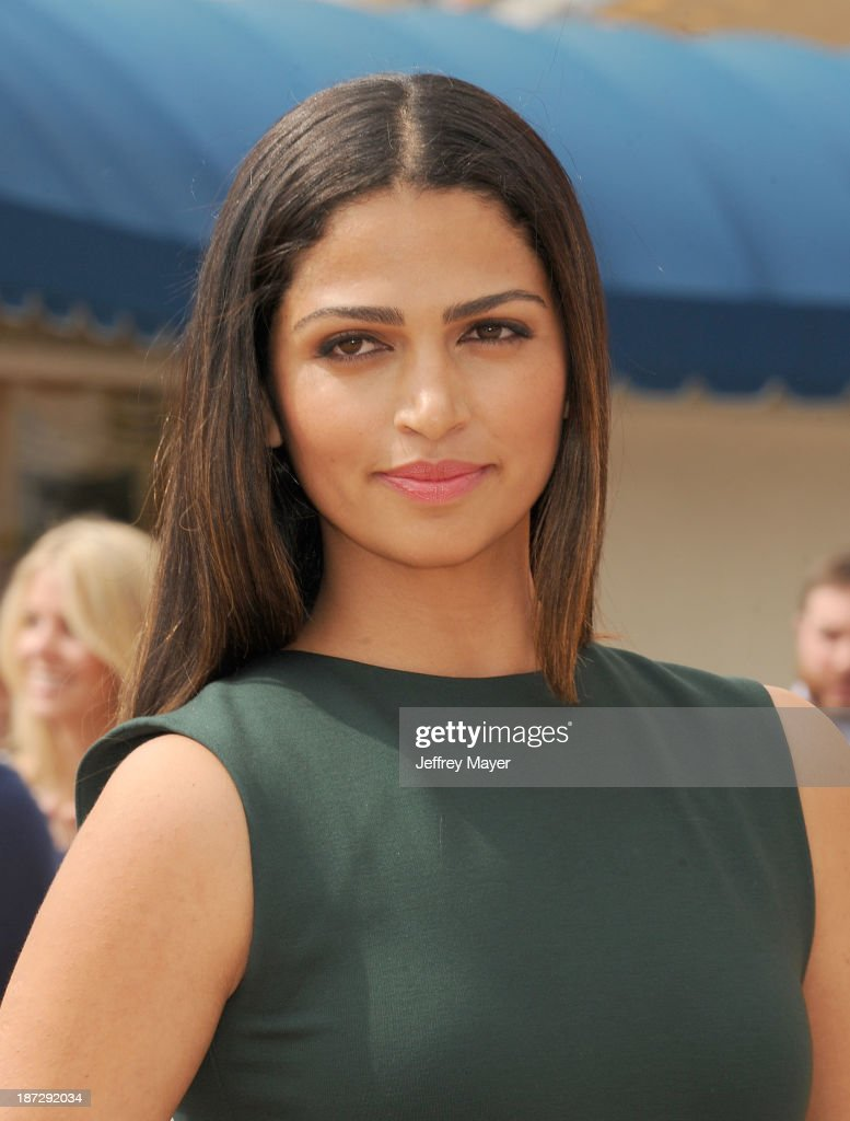 Actress/model <a gi-track='captionPersonalityLinkClicked' href=/galleries/search?phrase=Camila+Alves&family=editorial&specificpeople=4501431 ng-click='$event.stopPropagation()'>Camila Alves</a> arrives at the 'Free Birds' - Los Angeles Premiere at Westwood Village Theatre on October 13, 2013 in Westwood, California.