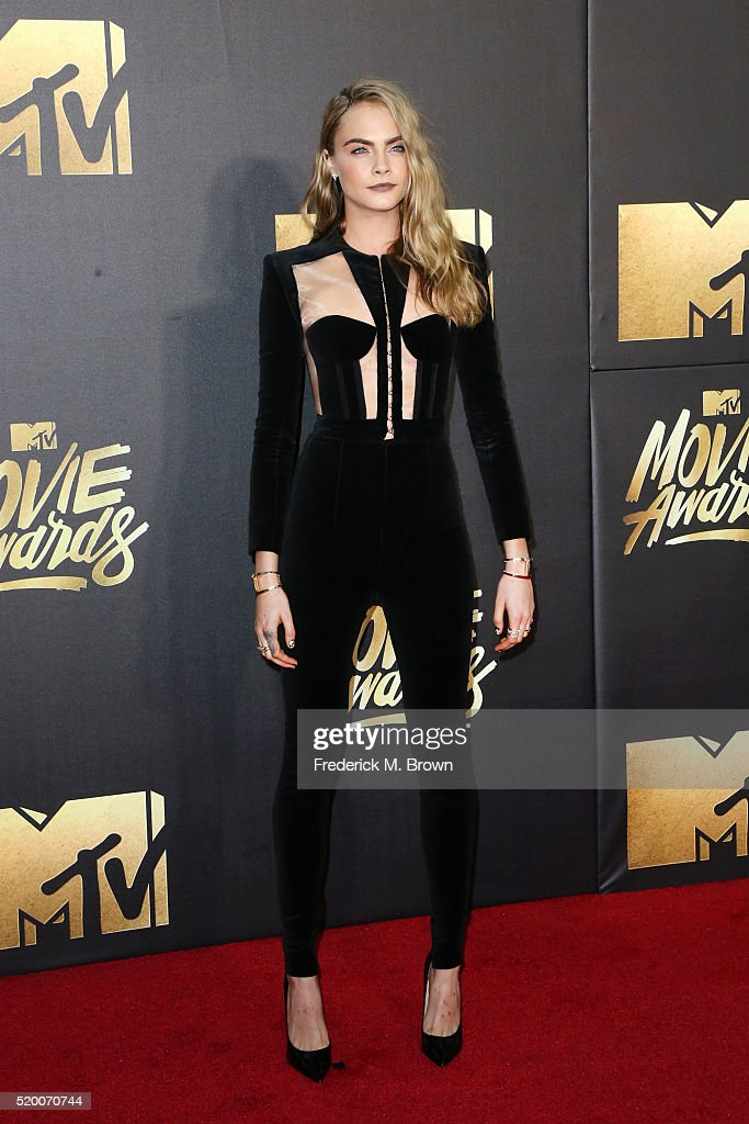 actressmodel-cara-delevingne-attends-the-2016-mtv-movie-awards-at-picture-id520070744