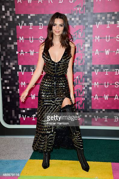 Actressmodel Emily Ratajkowski attends the 2015 MTV Video Music Awards at Microsoft Theater on August 30 2015 in Los Angeles California