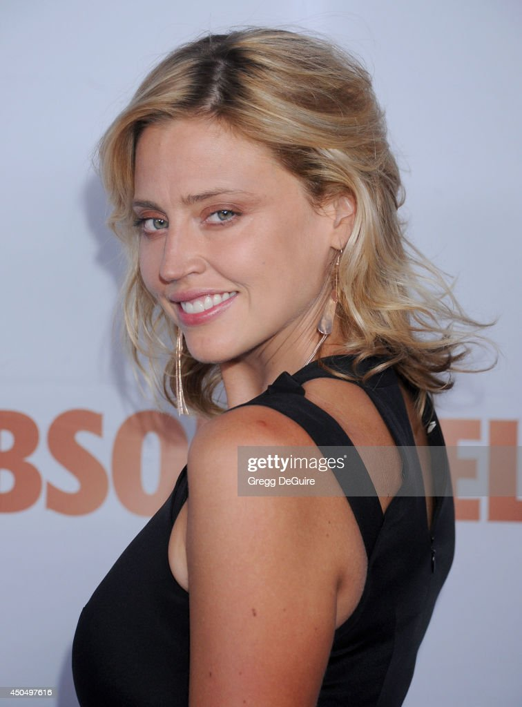 Actress/model <a gi-track='captionPersonalityLinkClicked' href=/galleries/search?phrase=Estella+Warren&family=editorial&specificpeople=214695 ng-click='$event.stopPropagation()'>Estella Warren</a> arrives at the Pathway To The Cures For Breast Cancer event at Barkar Hangar on June 11, 2014 in Santa Monica, California.