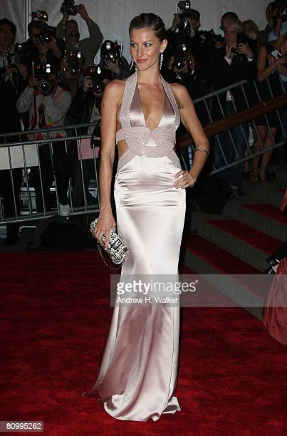 Actress/model Gisele Bundchen arrives to the Metropolitan Museum of Art Costume Institute Gala Superheroes Fashion and Fantasy held at the...