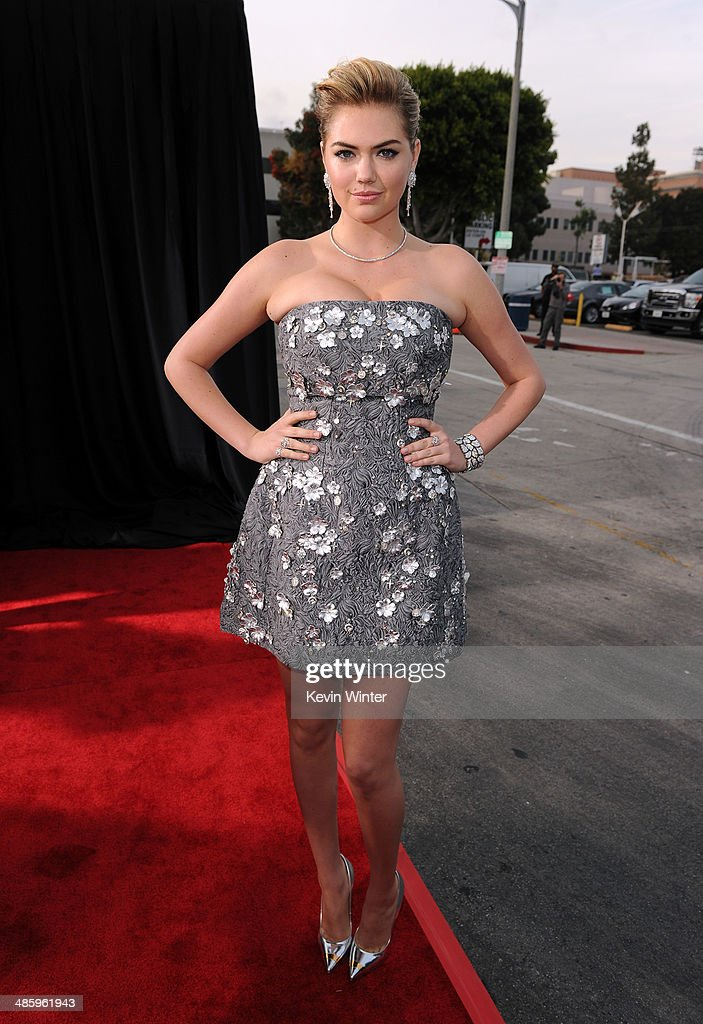 Actress/model <a gi-track='captionPersonalityLinkClicked' href=/galleries/search?phrase=Kate+Upton&family=editorial&specificpeople=7488546 ng-click='$event.stopPropagation()'>Kate Upton</a> attends the premiere of Twentieth Century Fox's 'The Other Woman' at Regency Village Theatre on April 21, 2014 in Westwood, California.