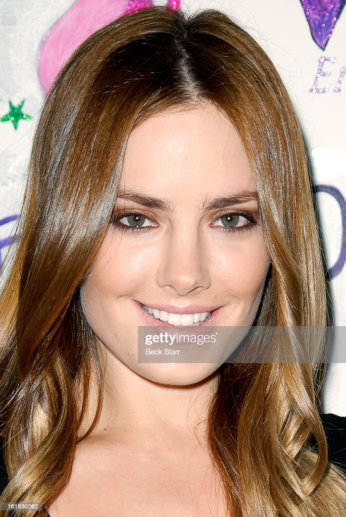 Actress/model/artist Beau Dunn arrives at Linda's Voice live art auction at LAB ART Gallery on February 16, 2013 in Los Angeles, California.