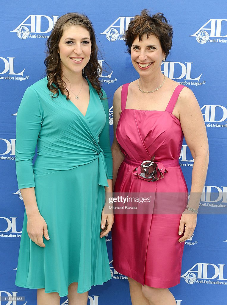 Actress/neuroscientist Mayim Bialik (L) and Anti-Defamation League Regional Director Amanda Susskind attend The Anti-Defamation League Deborah Awards at the Skirball Cultural Center on April 26, 2012 in Los Angeles, California.