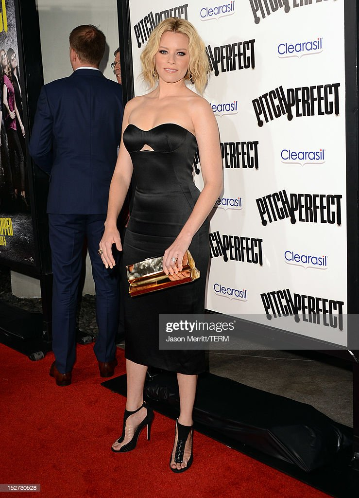 Actress/producer Elizabeth Banks arrives at the premiere of Universal Pictures And Gold Circle Films' 'Pitch Perfect' at ArcLight Cinemas on September 24, 2012 in Hollywood, California.