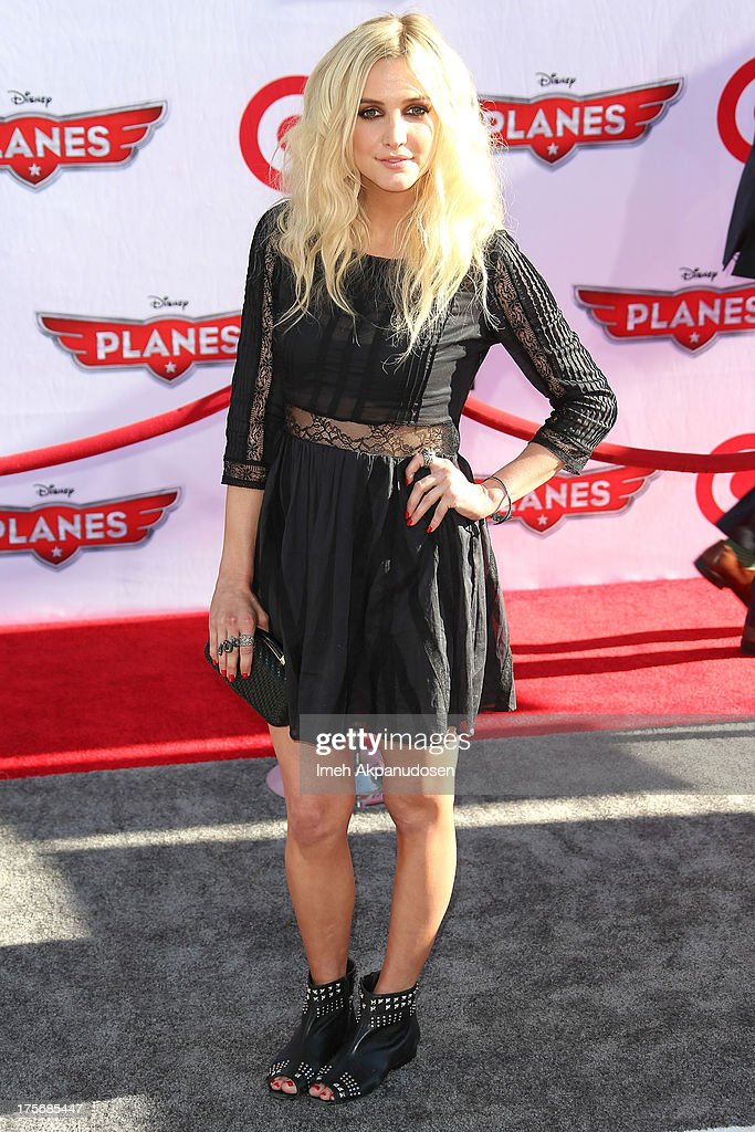 Actress/singer <a gi-track='captionPersonalityLinkClicked' href=/galleries/search?phrase=Ashlee+Simpson&family=editorial&specificpeople=201809 ng-click='$event.stopPropagation()'>Ashlee Simpson</a> attends the premiere of Disney's 'Planes' at the El Capitan Theatre on August 5, 2013 in Hollywood, California.