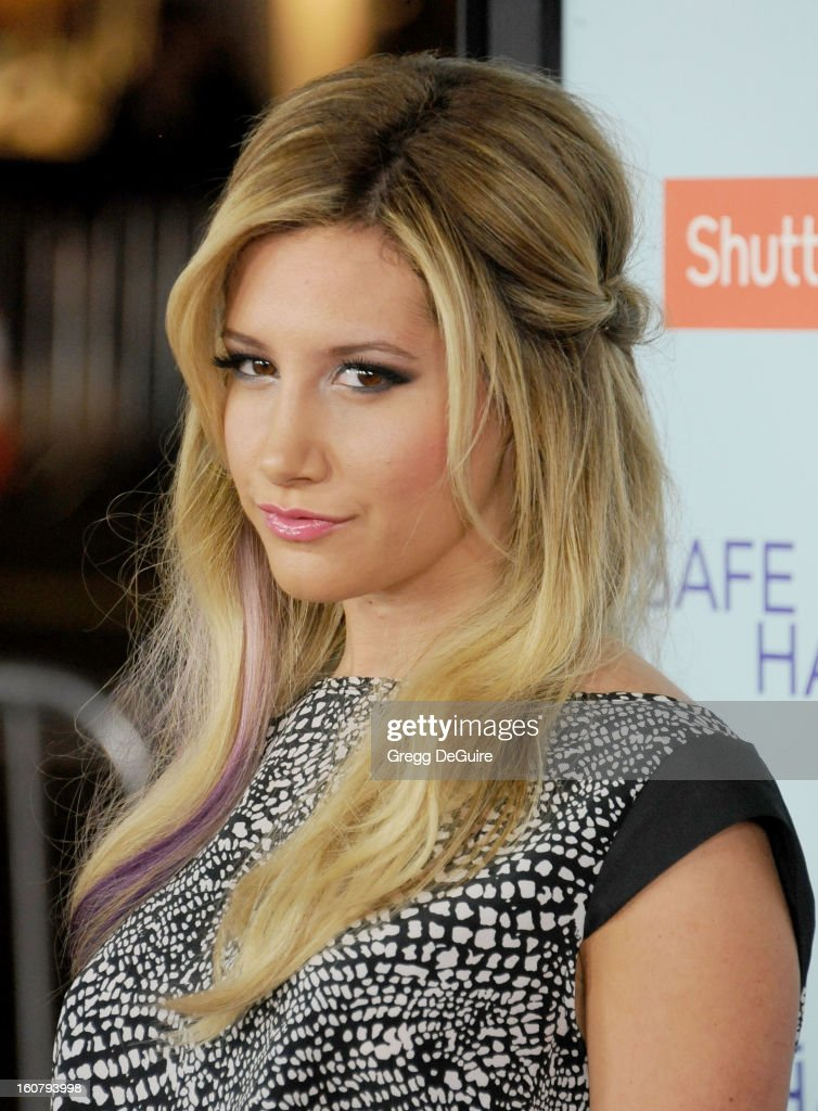 Actress/singer <a gi-track='captionPersonalityLinkClicked' href=/galleries/search?phrase=Ashley+Tisdale&family=editorial&specificpeople=213972 ng-click='$event.stopPropagation()'>Ashley Tisdale</a> arrives at the Los Angeles premiere of 'Safe Haven' at TCL Chinese Theatre on February 5, 2013 in Hollywood, California.