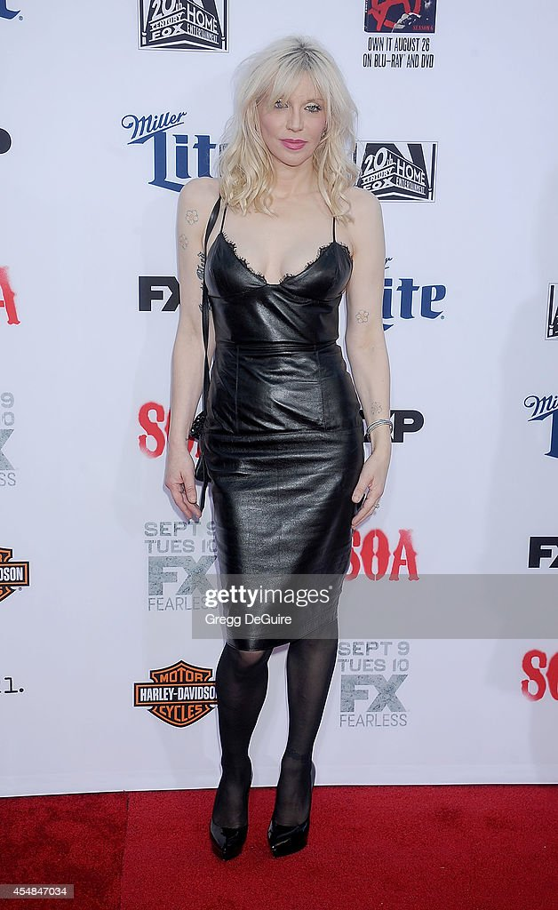 Actress/singer Courtney Love arrives at FX's 'Sons Of Anarchy' premiere at TCL Chinese Theatre on September 6, 2014 in Hollywood, California.