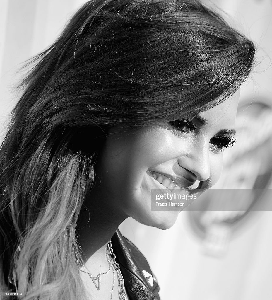 Actress/singer <a gi-track='captionPersonalityLinkClicked' href=/galleries/search?phrase=Demi+Lovato&family=editorial&specificpeople=4897002 ng-click='$event.stopPropagation()'>Demi Lovato</a> arrives at Fox's 'American Idol' XIII Finale at Nokia Theatre L.A. Live on May 21, 2014 in Los Angeles, California.