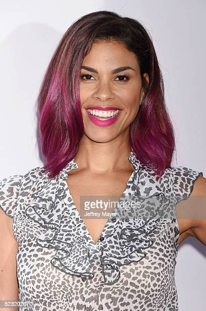 Actress/singer Gwendolyn OsborneSmith attends the Open Roads World Premiere of 'Mother's Day' at the TCL Chinese Theatre IMAX on April 13 2016 in...