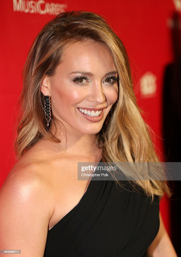 Actress/singer <a gi-track='captionPersonalityLinkClicked' href=/galleries/search?phrase=Hilary+Duff&family=editorial&specificpeople=201586 ng-click='$event.stopPropagation()'>Hilary Duff</a> attends 2014 MusiCares Person Of The Year Honoring Carole King at Los Angeles Convention Center on January 24, 2014 in Los Angeles, California.