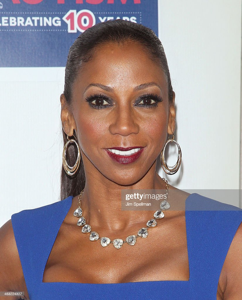 Actress/singer Holly Robinson Peete attends the 2013 Winter Ball For Autism the at Metropolitan Museum of Art on December 2, 2013 in New York City.