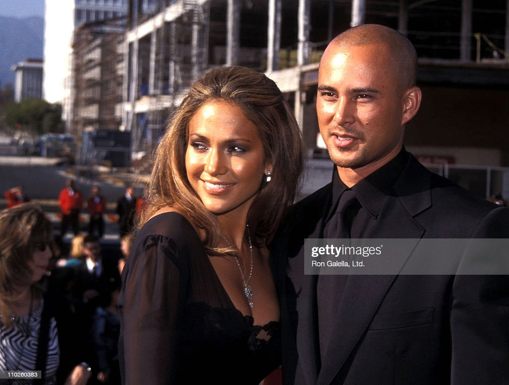 Actress/Singer Jennifer Lopez and boyfriend Cris Judd attend the Sixth Annual ALMA Awards on April 22, 2001 at Pasadena Civic Auditorium in Pasadena, California.