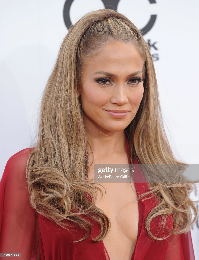 Actress/singer Jennifer Lopez arrives at the 2014 Billboard Music Awards at the MGM Grand Garden Arena on May 18, 2014 in Las Vegas, Nevada.
