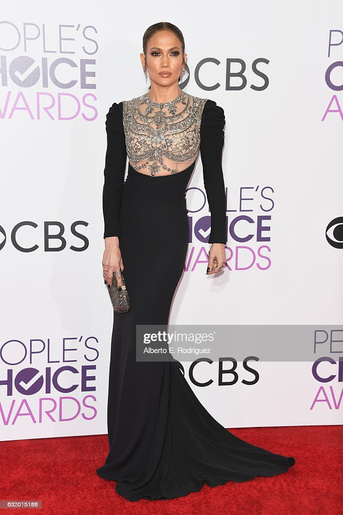 actresssinger-jennifer-lopez-attends-the-peoples-choice-awards-2017-picture-id632015188