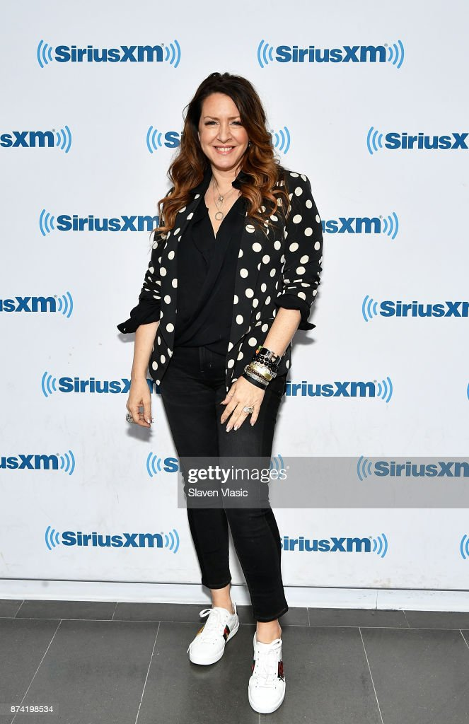 Actress/singer Joely Fisher visits SiriusXM Studios on November 14, 2017 in New York City.