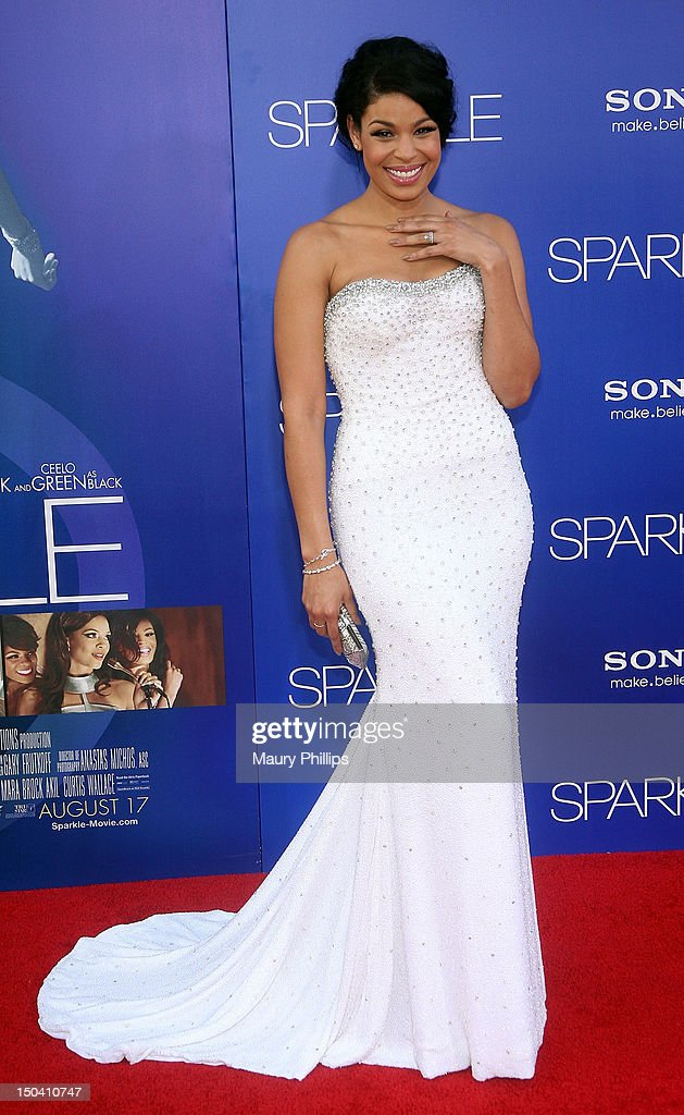Actress/singer <a gi-track='captionPersonalityLinkClicked' href=/galleries/search?phrase=Jordin+Sparks&family=editorial&specificpeople=4165535 ng-click='$event.stopPropagation()'>Jordin Sparks</a> arrives at the Los Angeles Premiere of 'Sparkle' at Grauman's Chinese Theatre on August 16, 2012 in Hollywood, California.
