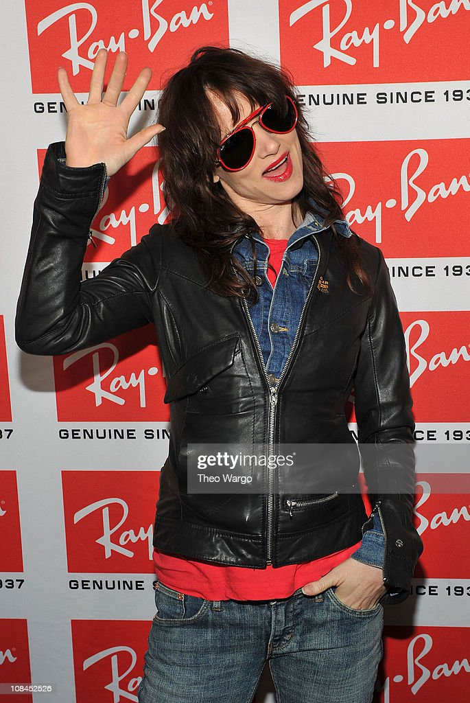 Actress/singer Juliette Lewis attends the Ray-Ban Aviator: The Essentials event at Music Hall of Williamsburg on May 12, 2010 in New York City.