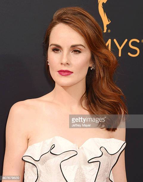 Actress/singer Michelle Dockery arrives at the 68th Annual Primetime Emmy Awards at Microsoft Theater on September 18 2016 in Los Angeles California