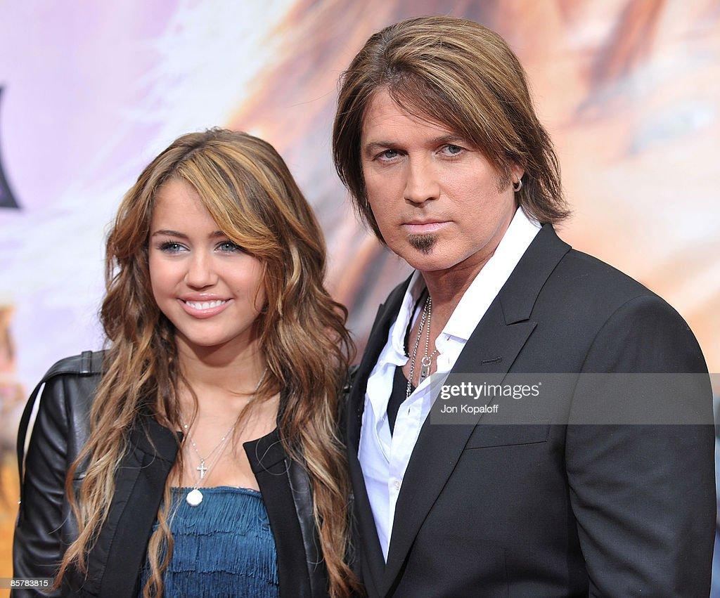 'Hannah Montana The Movie' - Los Angeles Premiere - Arrivals : News Photo