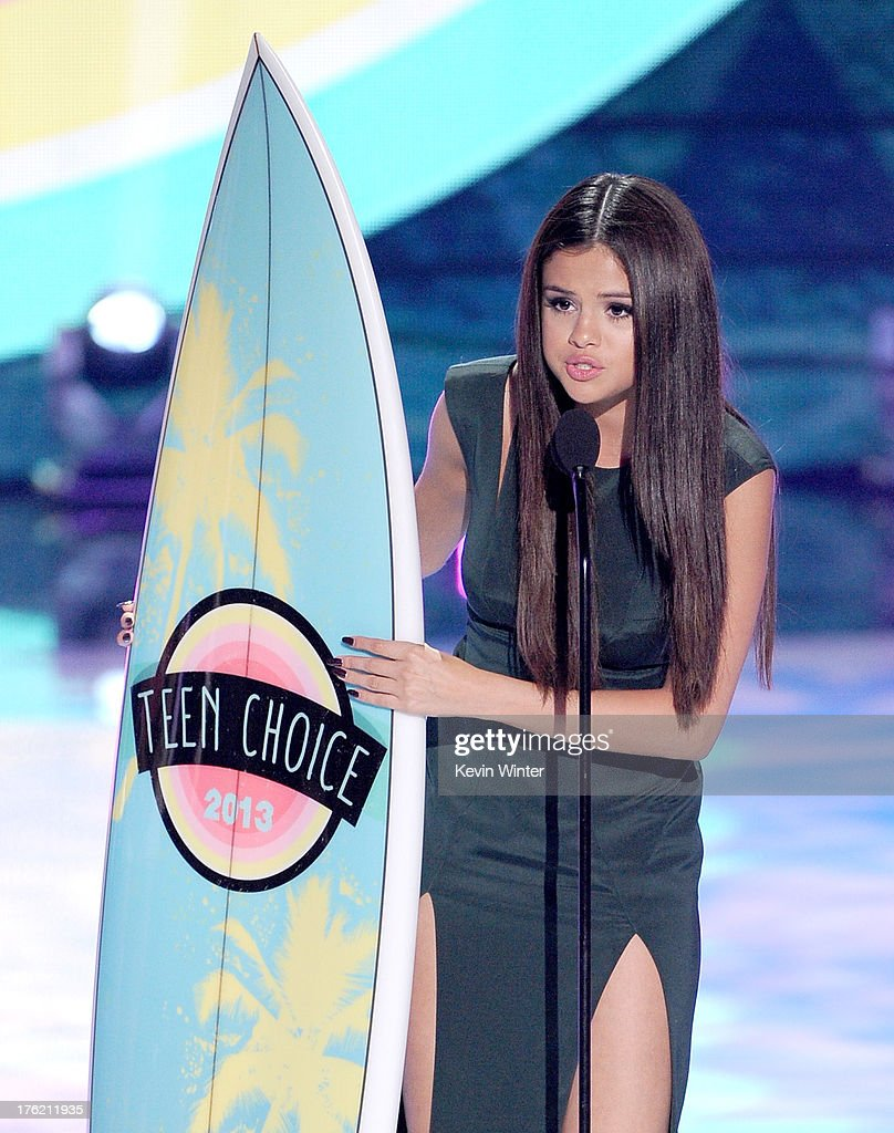 Actress-singer Selena Gomez accepts Choice Break-up Song award for 'Come and Get It' onstage during the Teen Choice Awards 2013 at Gibson Amphitheatre on August 11, 2013 in Universal City, California.