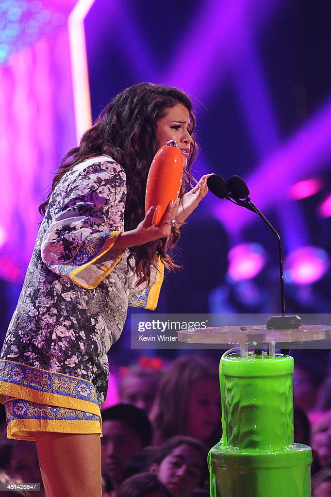 Actress/singer Selena Gomez accepts the award for Favorite Female Singer onstage during Nickelodeon's 27th Annual Kids' Choice Awards held at USC Galen Center on March 29, 2014 in Los Angeles, California.