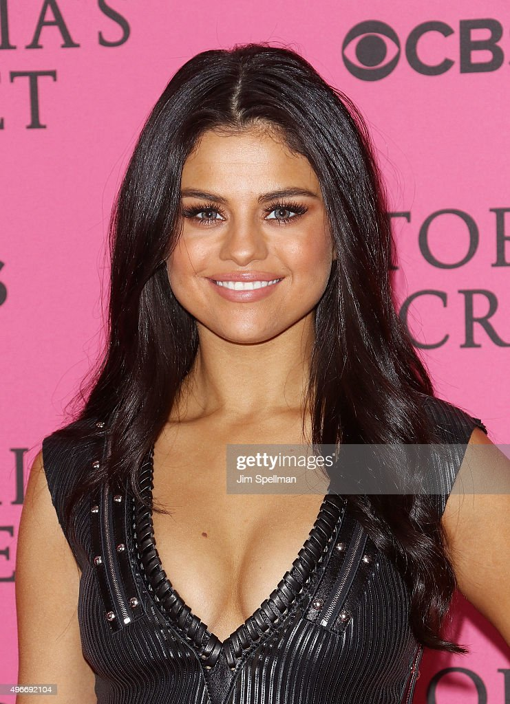 2015 Victoria's Secret Fashion Show  - Pink Carpet Arrivals