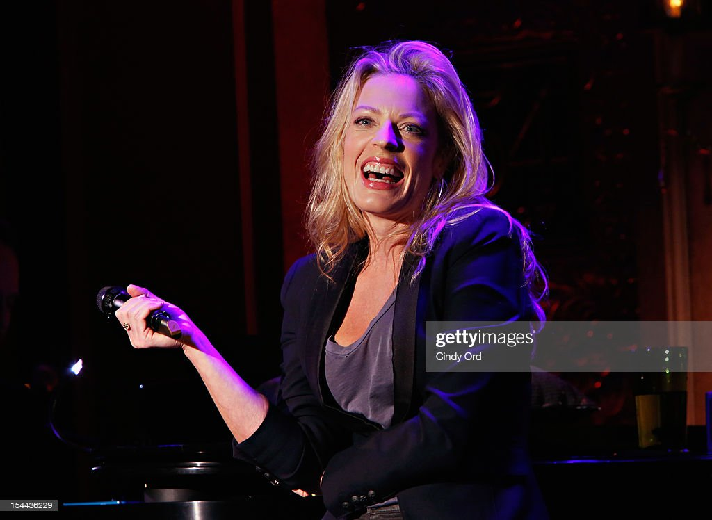 Actress/singer Sherie Rene Scott performs at 54 Below on October 19, 2012 in New York City.