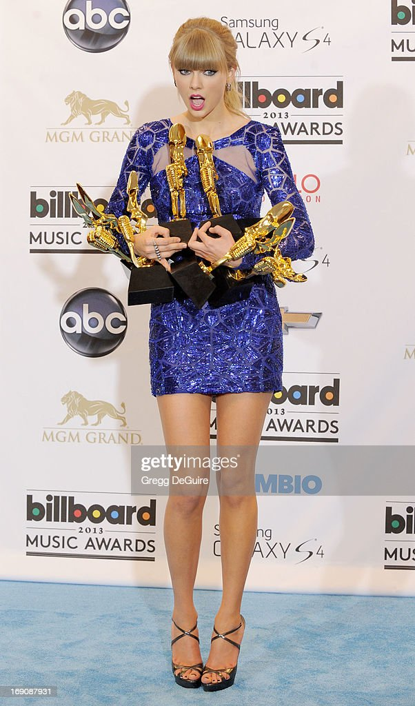Actress/singer <a gi-track='captionPersonalityLinkClicked' href=/galleries/search?phrase=Taylor+Swift&family=editorial&specificpeople=619504 ng-click='$event.stopPropagation()'>Taylor Swift</a> poses in the press room at the 2013 Billboard Music Awards at MGM Grand Garden Arena on May 19, 2013 in Las Vegas, Nevada.
