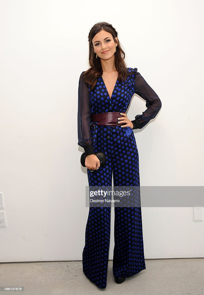 Diane Von Furstenberg - Front Row & Backstage - Spring 2016 New York Fashion Week